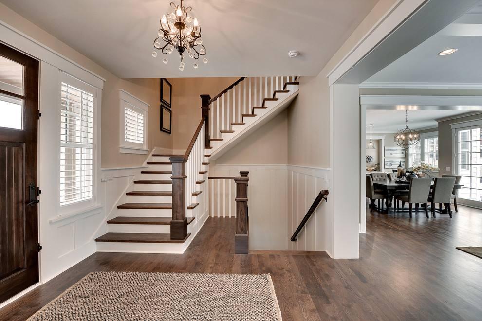 說起樓梯,你可能會想,樓梯不都是方方正正嘛,還能設計出很多造型?其實在別墅設計師眼里,樓梯是展示空間藝術的重要元素,關乎整個空間的顏值,也可以巧妙的分割空間。設計巧妙的樓梯能凸顯別墅的空間藝術之美,華麗大氣的樓梯會讓整棟別墅顯得氣派不少,成為一道賞心悅目的一道風景線。了解更多建房資訊,請關注居佳樂官網http://www.